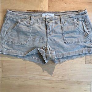 Hollister Shorts khakis Sz 0